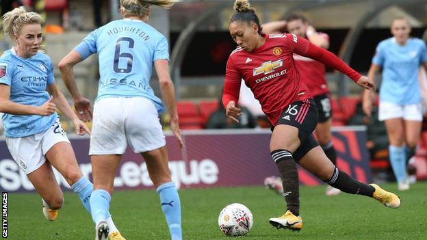 Lauren James, Manchester United için Manchester City'ye karşı mücadelede