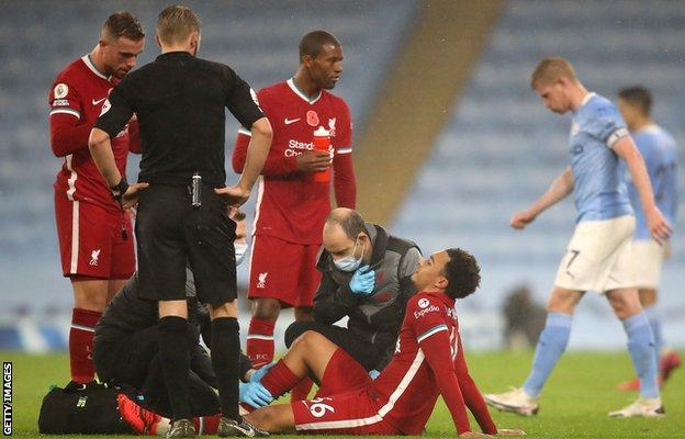 Trent Alexander-Arnold, Manchester City'de sakatlık geçirdikten sonra tedavi edildi