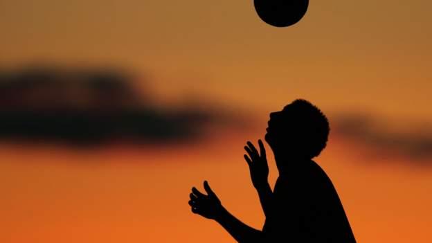 futbol ve demans: eski oyuncular ve politikacılardan oluşan bir grup acil inceleme çağrısı