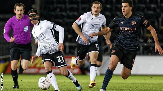 Yan Dhanda, Çarşamba günü Manchester City ile Swansea City'nin FA Cup beşinci tur karşılaşmasında 77 dakika oynadı.